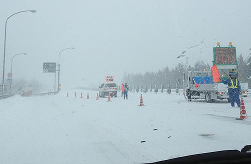 13.12.15高速吹雪003.jpg