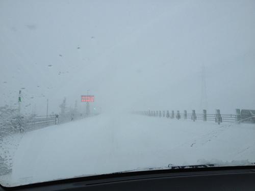 13.12.15高速吹雪006.jpg
