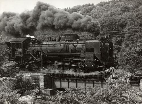 13.4.6--01papa-蒸気機関車D51.jpg