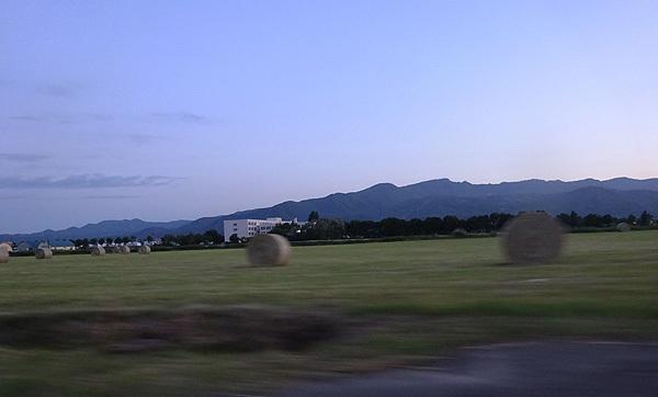 160126 牧草ロール150618の.jpg